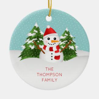 Leuke Sneeuwman met Personaliseerbare Kerstmis van Rond Keramisch Ornament