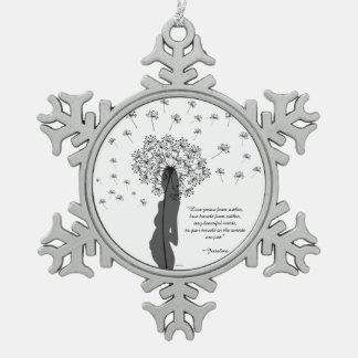 Liefde binnen tin sneeuwvlok ornament