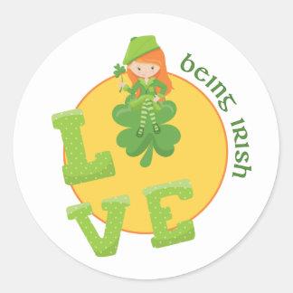 Liefde die Iers met de Klaver van Vier Blad zijn Ronde Sticker
