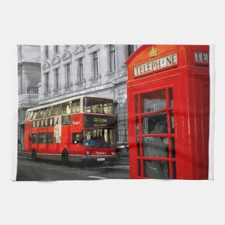 Londen met een aanraking van kleur theedoek
