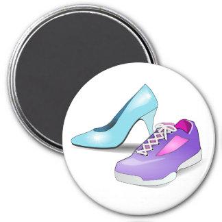 Lopende tennisschoen en prinses hoog gehielde scho magneet