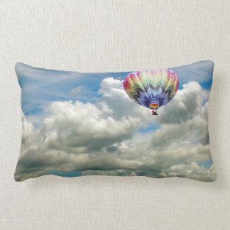 (Lumbaal) hoofdkussen - Hete luchtballon in wolken Lumbar Kussen