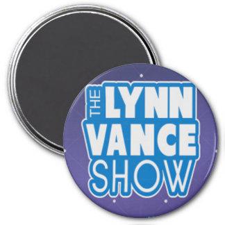 Lynn Vance toont de magneet van het Logo