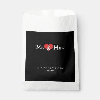 M. en Mevr. Red Heart Wedding Personalized Bedankzakje