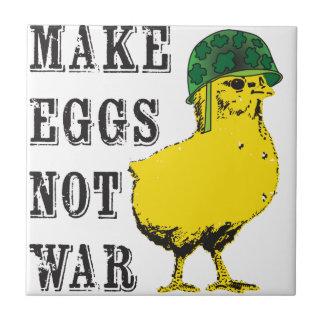 Maak de Oorlog van Eieren niet Keramisch Tegeltje