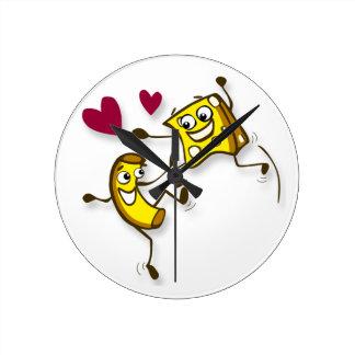 macaroni en kaasklok ronde klok