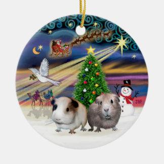 Magische Kerstmis - Twee Proefkonijnen Rond Keramisch Ornament