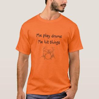 Me speel trommels me dingen met drumstel raakte t shirt