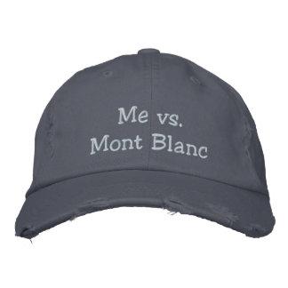 Me versus de sloganpet van Mont Blanc Geborduurde Pet