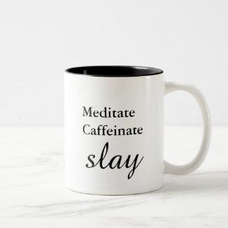 Mediteer. Caffeinate. Dood Tweekleurige Koffiemok
