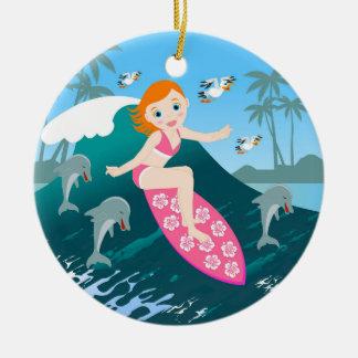 Meisje dat Grote Golf met Dolfijnen surft Rond Keramisch Ornament