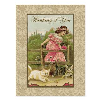 Meisje met het Denken van Katten aan u Vintage Briefkaart