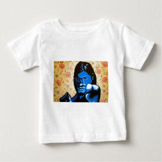 """""""Meisje met Twee Pistolen"""" door Axel Bottenberg Baby T Shirts"""