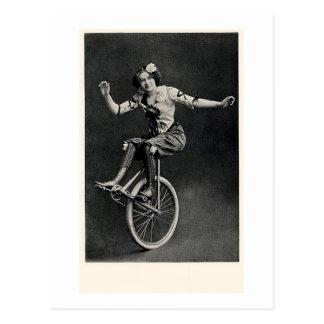 Meisje op een Unicycle Briefkaart