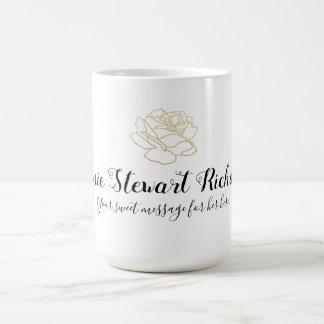 met de hand geschreven naam + roze-bloem + bericht koffiemok