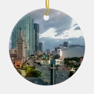 Miami van de binnenstad rond keramisch ornament