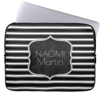 Modern Monogram   Elegante Zwarte & Witte Strepen Computer Sleeve