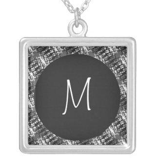 Modern Wit Monogram op Modieus Abstract Patroon Zilver Vergulden Ketting