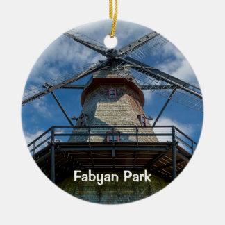 Molen van de Kiel van het Park van Fabyan de Rond Keramisch Ornament