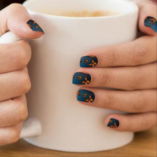 Monarchen Minx Nail Art