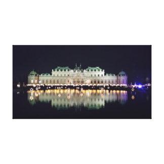 Mooie Belvedere van Wenen in December Canvas Afdrukken