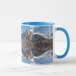 Mooie Berg & de OceaanMok van de Koffie van de Mok