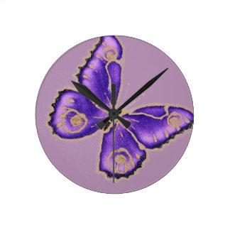 Mooie grote paarse vlinder ronde klok