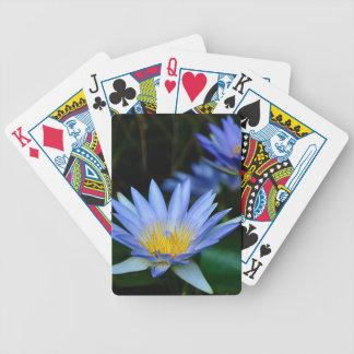 Mooie lotusbloem bloemen en het betekenen poker kaarten