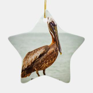 Mooie Pelikaan die over de Oceaan wordt Keramisch Ster Ornament