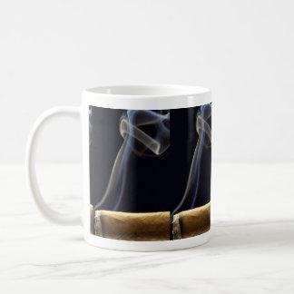 Mooie Sigaar met rook Koffiemok
