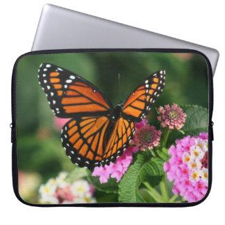 Mooie Vlinder op Bloem Lantana Laptop Sleeve