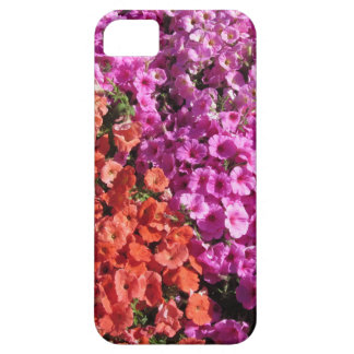 Multicolored petunia bloeit textuurachtergrond barely there iPhone 5 hoesje