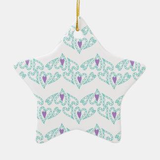 Naadloze patronen met harten op roze achtergrond keramisch ster ornament