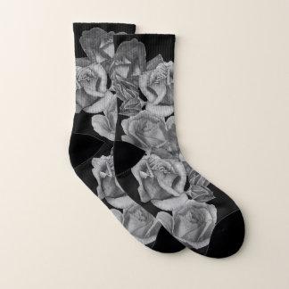 namen de bloemen rode rozen en knoppen sokken