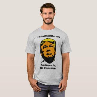 Neem de (grijze) Pistolen T Shirt