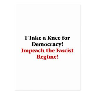 Neem een Knie voor Democratie Briefkaart