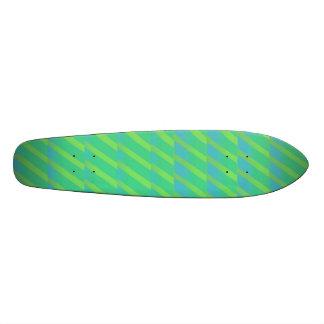 neon groene en blauwe strepen skateboards