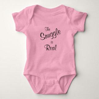 Nestel me is het Echte Roze Ééndelige T-shirt van