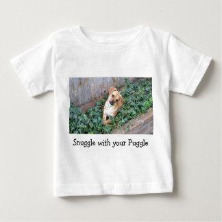 Nestel me met uw T-shirt van het Baby Puggle