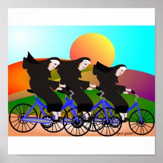 Nonnen op het Poster van de Kunst van Fietsen