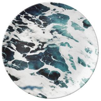 oceaan mooi de natuur blauw water van het porseleinen bord