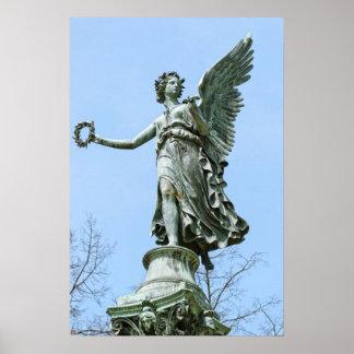 Od van het standbeeld Engel in de Tuin van het Pal Poster