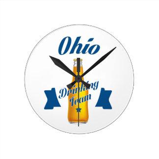 Ohio die team drink ronde klok
