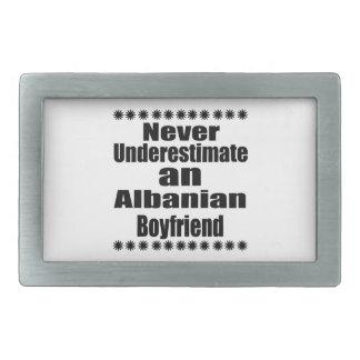 Onderschat nooit een Albanese Vriend Gesp
