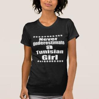 Onderschat nooit een Tunesisch Vriendin T Shirt