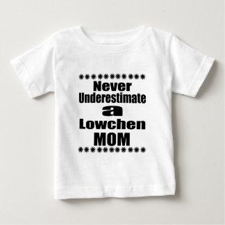 Onderschat nooit Mamma Lowchen Baby T Shirts