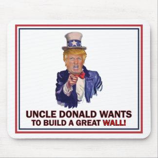 Oom Donald Wants om een Grote Muur te bouwen Muismat