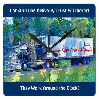 Op tijd de Klok van de Muur van de Vrachtwagen van