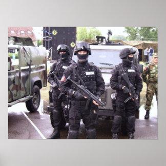 Ordeverstoorder & Koch MP5 - Servische Politie Poster