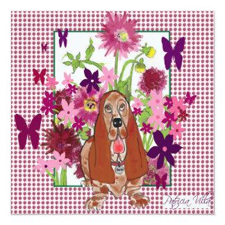 origineel kunstwerk van Basset Hound met bloemen 13,3x13,3 Vierkante Uitnodiging Kaart